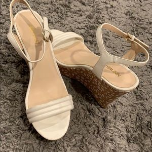 Nine West wedges with white flower trim.